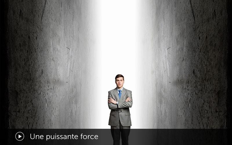 Une puissante force (français)